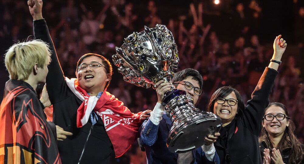 L'équipe chinoise FPX a remporté le trophée de la League of Legends le 1à novembre 2019, à l'AccorHotels Arena.