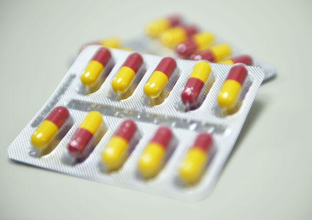 Des capsules de Trizavirine