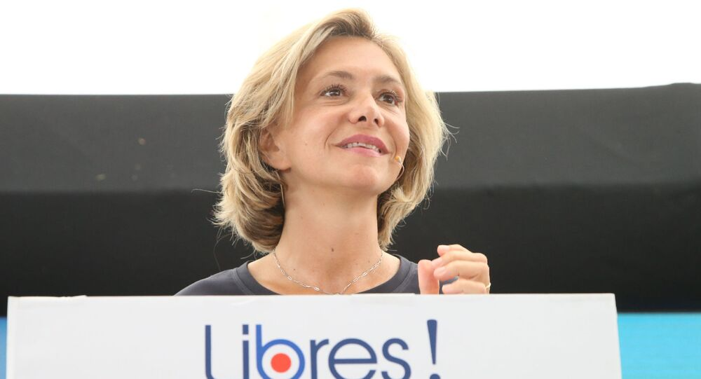 President of French Ile-de-France region Valerie Pecresse speaks on stage during the gathering of supporters of Libres!, the political movement she founded at Brive, southwestern France, on August 31, 2019. (Photo by DIARMID COURREGES / AFP)