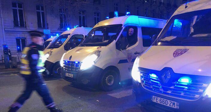 Des forces de l'ordre à la mobilisation contre la présence et les nominations de Roman Polanski, Paris, le 28 février