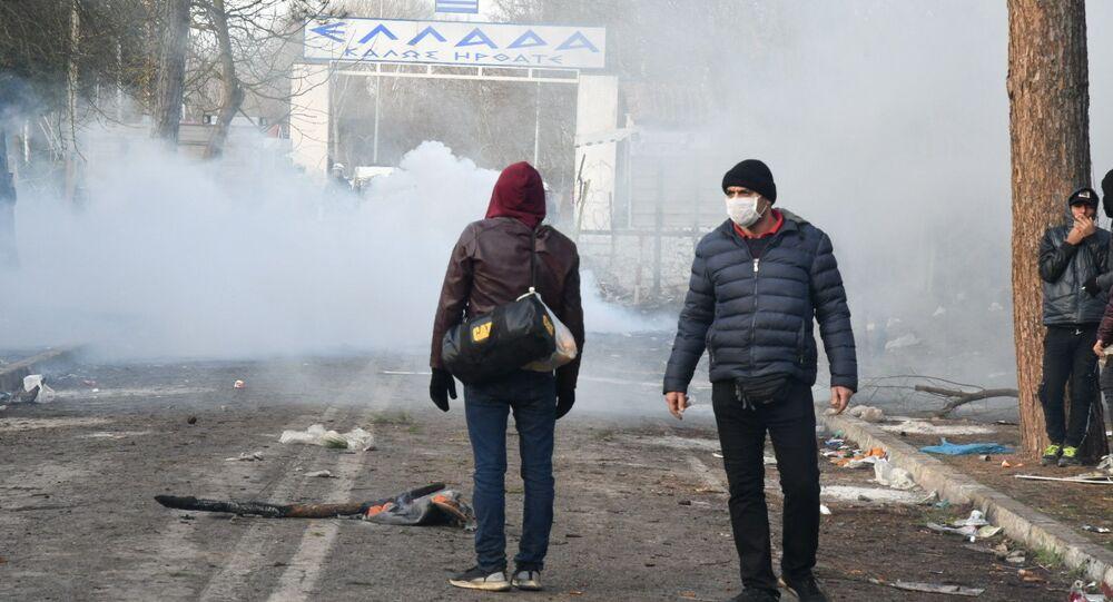 Des migrants à la frontière turco-grecque