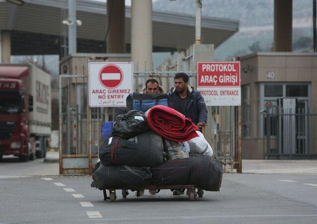 Des migrants quittent la Turquie