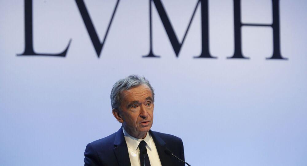 Bernard Arnault sur find du logo de LVMH