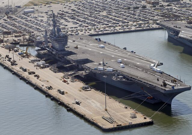 porte-avions USS Dwight D. Eisenhower (image d'illustration)