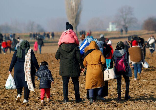 Migrants en route vers la frontière grecque, le 1er mars 2020