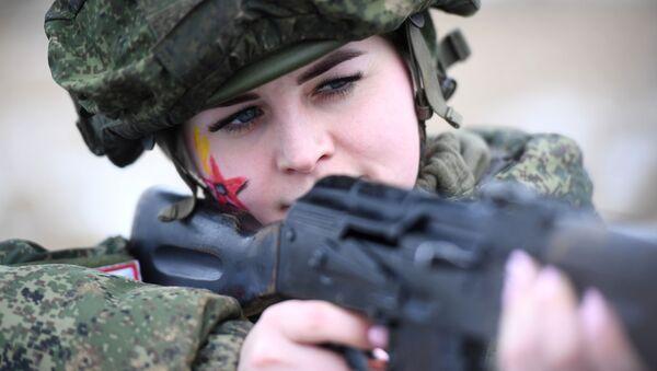 Maquillage sous camouflage: concours de beauté dans l'armée russe  - Sputnik France