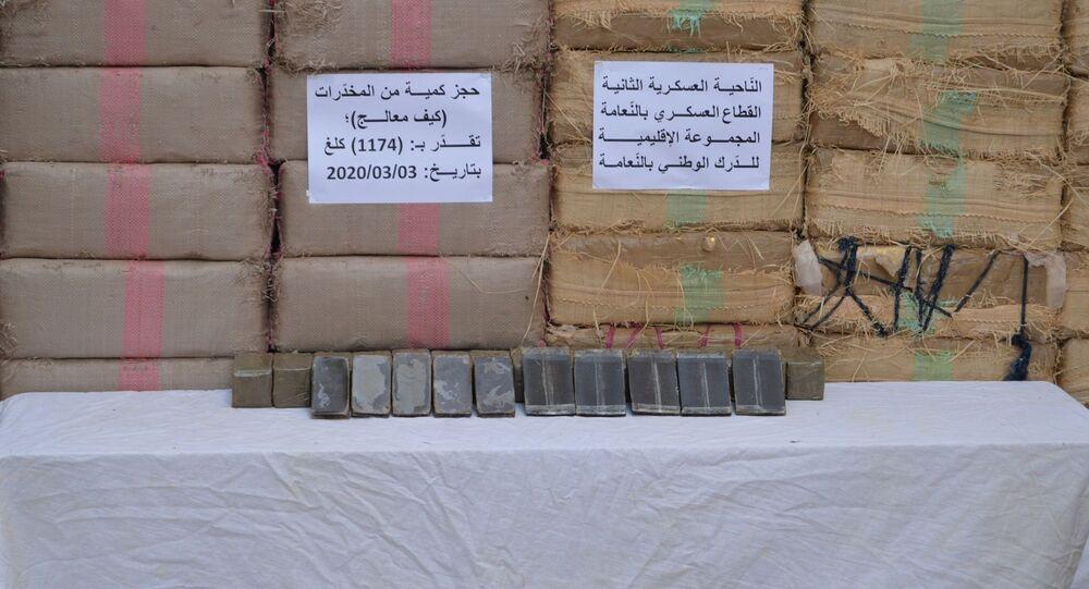 Saisie de 1174 kilogrammes de résine de cannabis à Nâama, Algérie