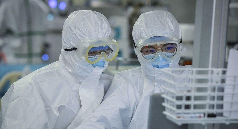 Médecins sont en train de prendre en charge des patients contaminés par le nouveau coronavirus