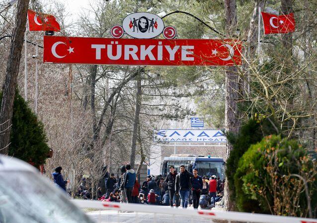 Des migrants à la frontière entre la Turquie et la Grèce (photo d'archives)
