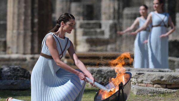 la flamme olympique a été allumée en Grèce - Sputnik France