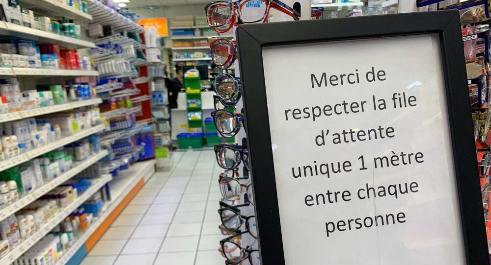 Dans une pharmacie à Créteil, 16 mars 2020