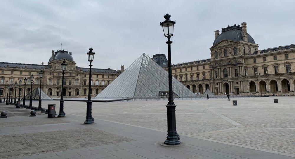 Le Louvre fermé en raison de l'épidémie de Covid-19