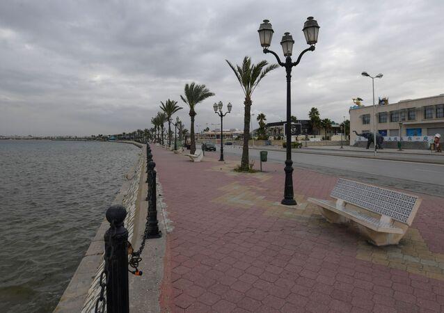 La promenade du lac de Tunis désertée par les touristes, le 18 mars 2020.