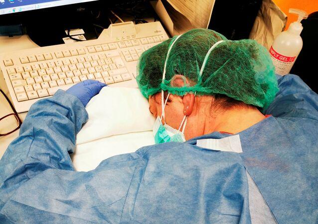 Métier à risque: comment les médecins italiens combattent le coronavirus