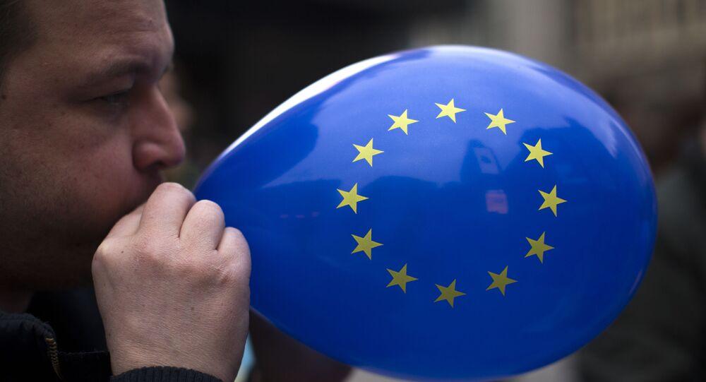Un ballon aux couleurs de l'Union européenne