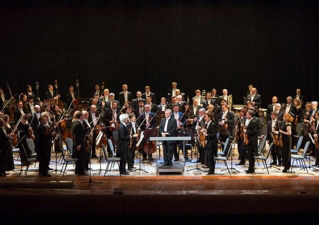 L'Orchestre symphonique Tchaïkovski de la Radio de Moscou, dirigé par Vladimir Fedosseïev