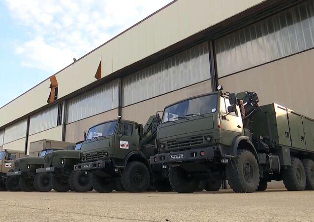 Un convoi militaire russe d'aide médicale en route vers la Lombardie
