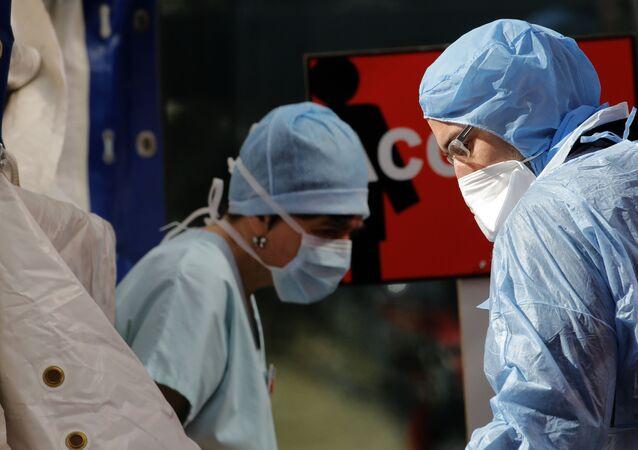 Des médecins français