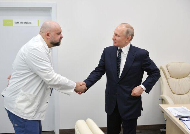 Le Président russe a remercié le médecin-chef de l'hôpital de Kommunarka pour la bonne organisation du travail de ses personnels.