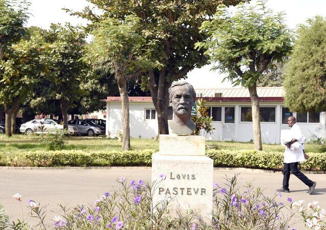 La cour de l'Institut Pasteur à Dakar