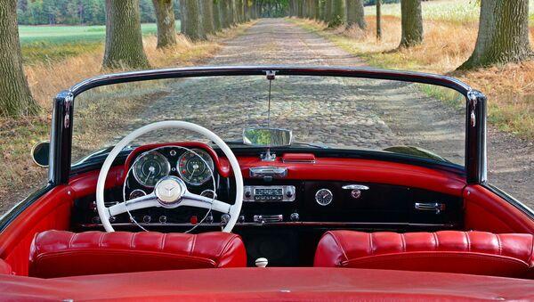 Une Mercedes cabriolet - Sputnik France