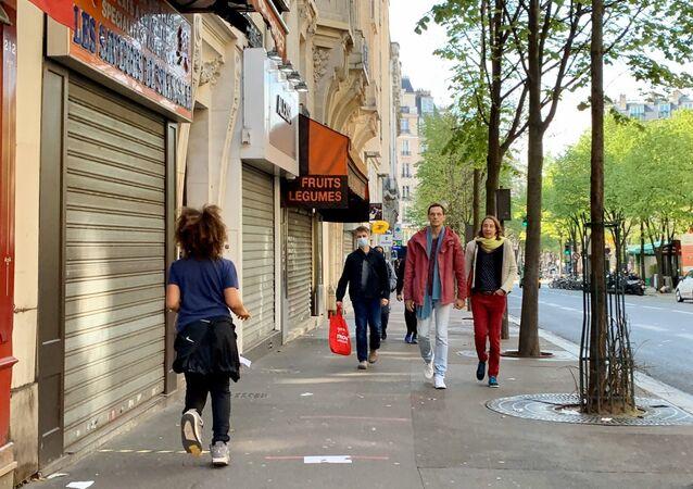 Paris en confinement pendant l'épidémie du Covid-19, 15 arrondissement, le 7 avril 2020