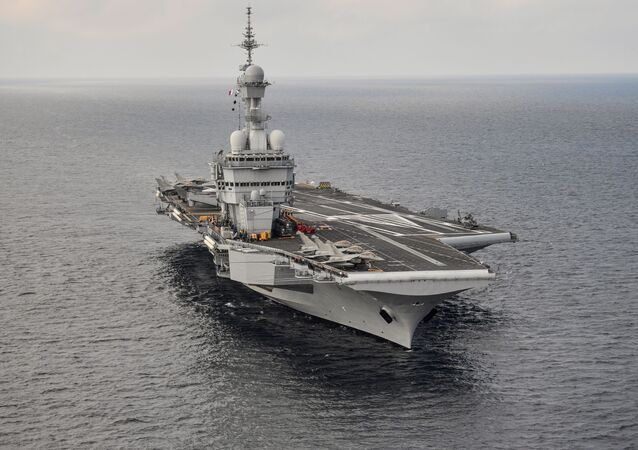 Le porte-avions français Charles-de-Gaulle