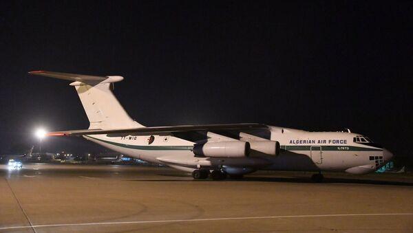 Les deux Il-76 de l'ANP à l'aéroport d'Alger à leur retour de Chine  - Sputnik France