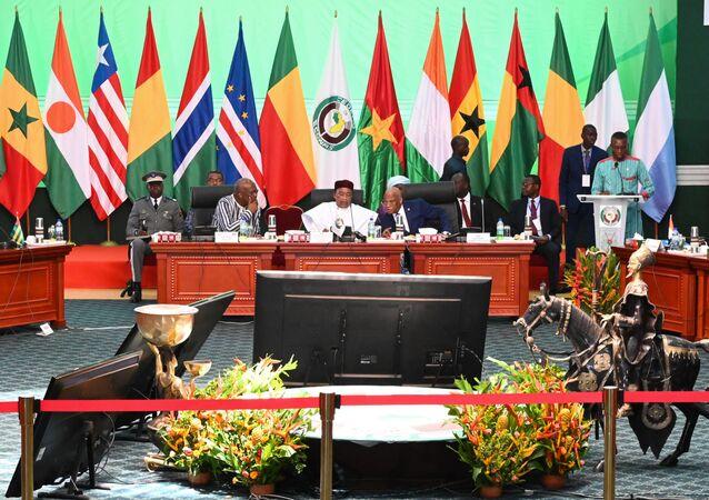 Les chefs d'État africains lors du sommet extraordinaire sur la sécurité du G5, le 19 septembre 2019.