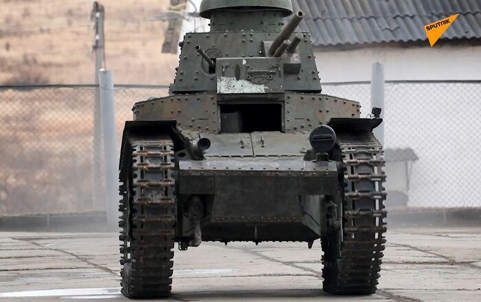 Un char MS-1 presque centenaire restauré pour participer au défilé de la Victoire