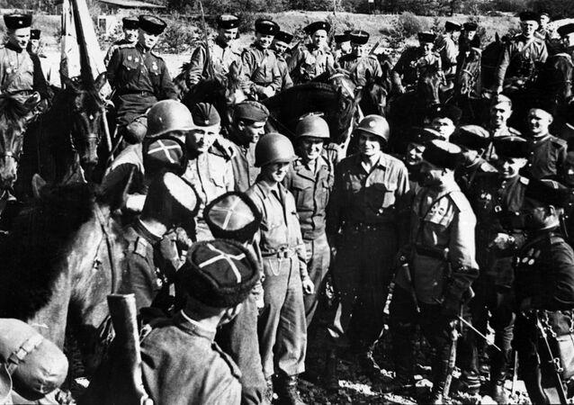 Jonction des troupes soviétiques et américaines sur l'Elbe, avril 1945