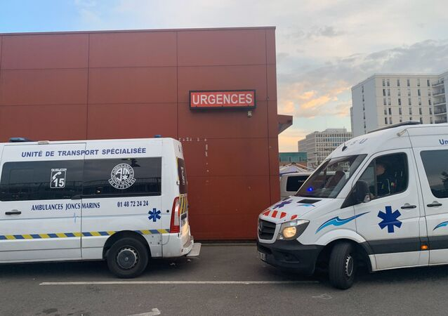 Des ambulanciers (image d'illustrations)