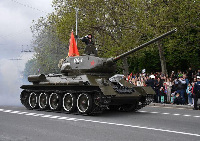 Un char T-34-85 lors du défilé de la Victoire à Sébastopol, 9 mai 2019