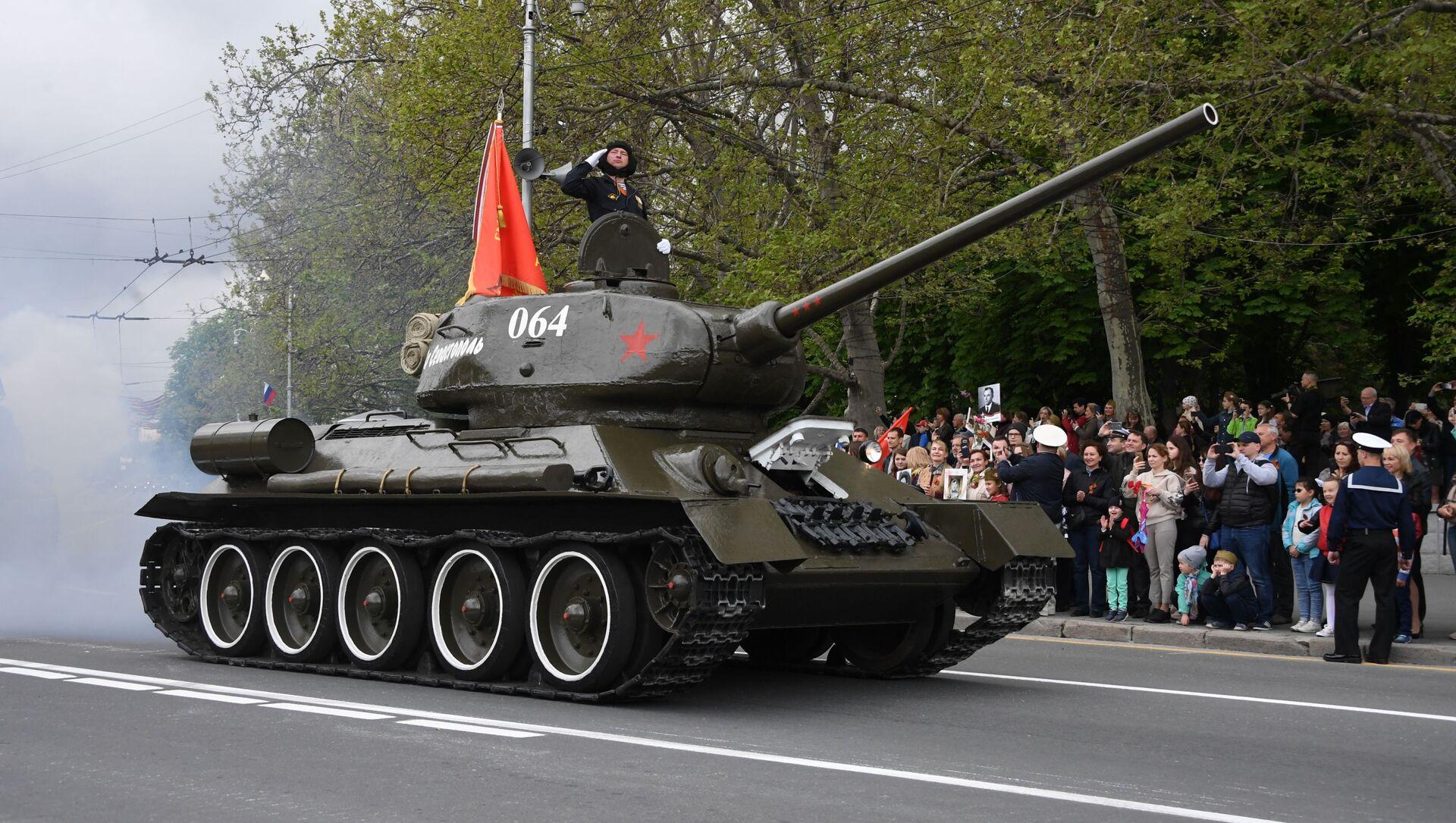 Un char T-34  - Sputnik France, 1920, 12.09.2021