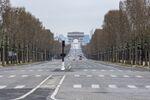 Les Champs-Elysées désertés