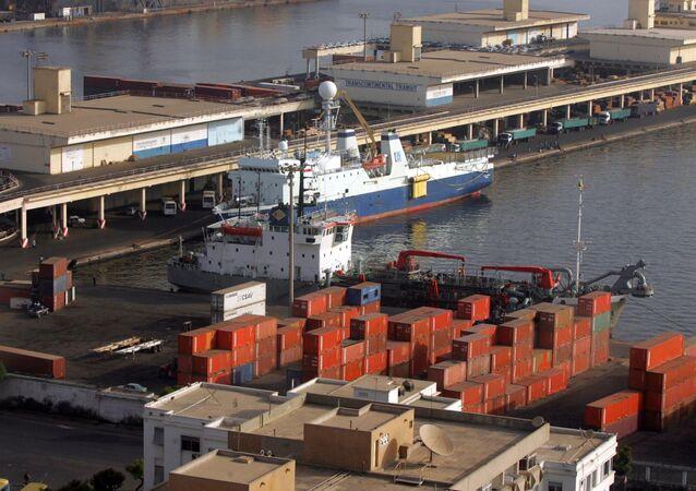 Une vue générale du port de Dakar détenu par Bolloré.