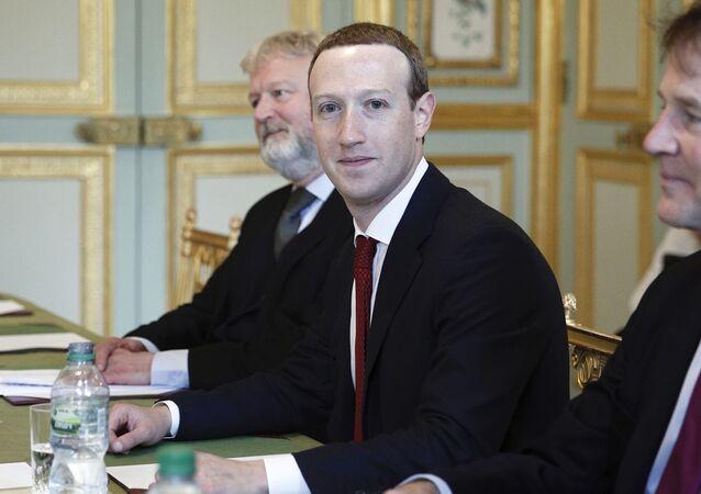 Mark Zuckerberg, le président-fondateur de Facebook, reçu à l'Élysée
