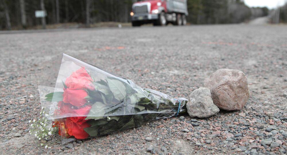 Bouquet en hommage aux victimes de la fusillade en Nouvelle-Écosse (Canada), avril 2020