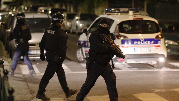 Emeutes en banlieue : policier à Villeneuve-la-Garenne - Sputnik France