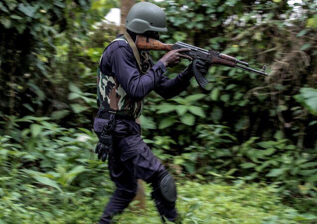 Un policier camerounais