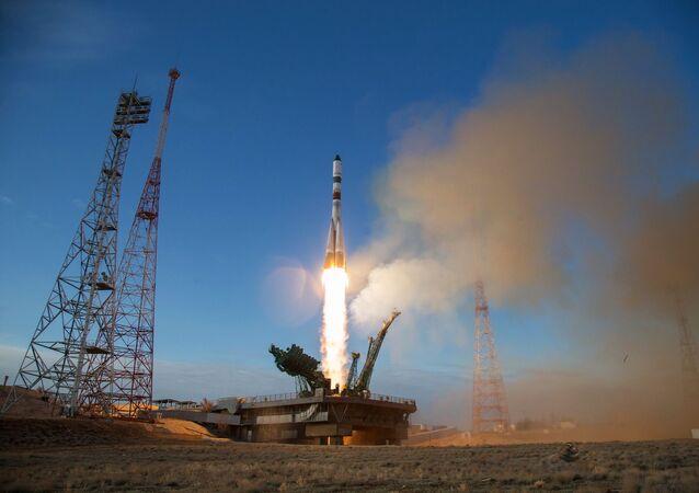 Décollage du lanceur Soyouz-2.1a vers l'ISS, 25 avril 2020