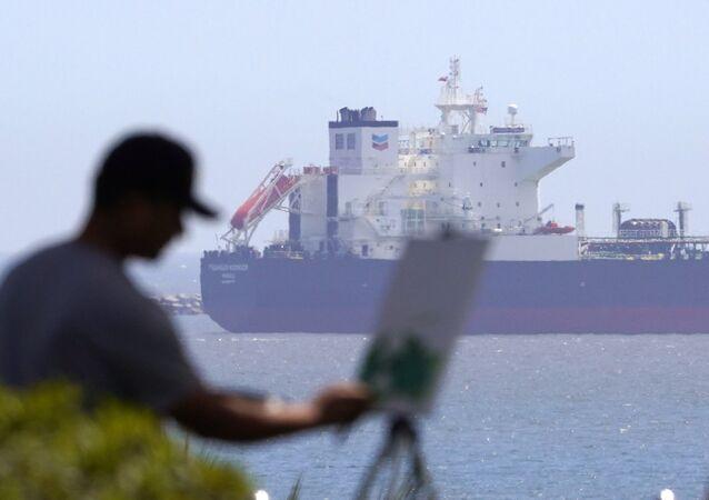 Un pétrolier en Californie