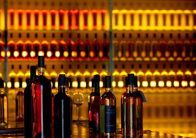 Des bouteilles de vin (image d'illustration)