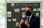 Emmanuel Macron à une école de Poissy