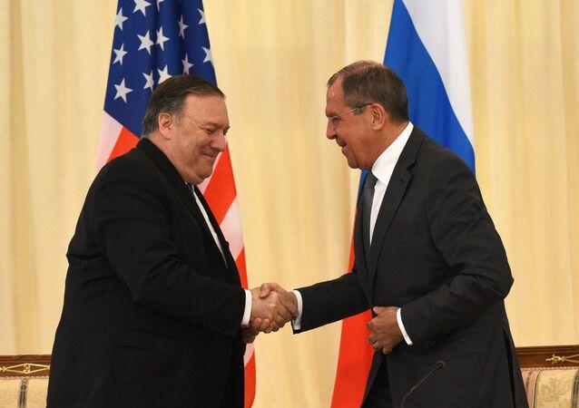 Sergueï Lavrov et Mike Pompeo