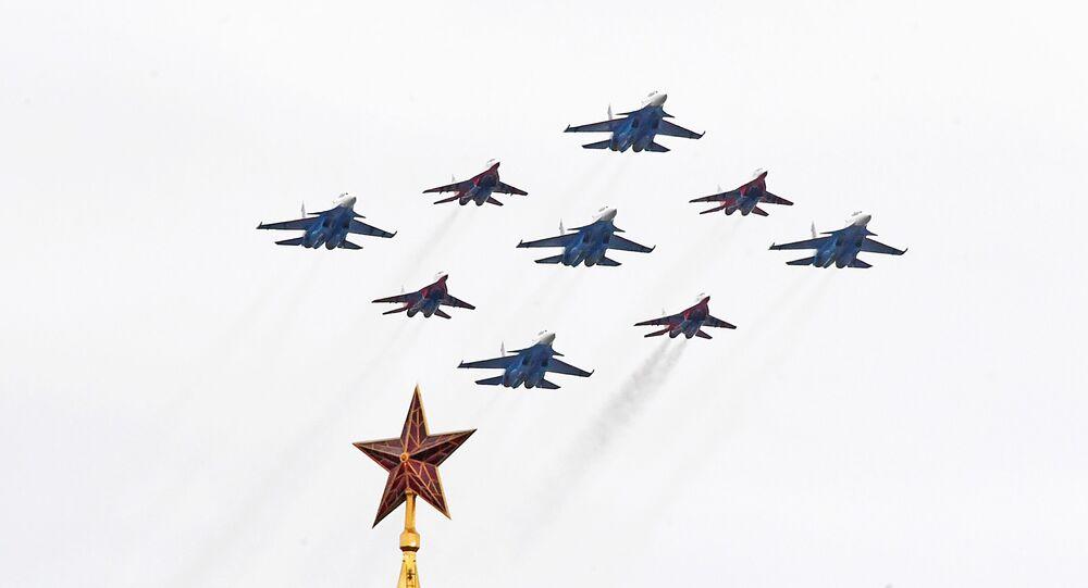 Parade aérienne pour le 75e anniversaire de la fin de la Seconde Guerre mondiale, le 9 mai 2020