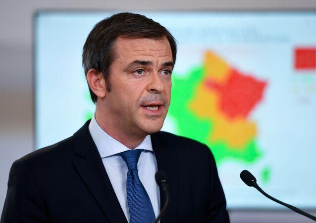 Olivier Véran lors de la conférence de presse à l'Hôtel Matignon le 7 mai
