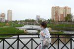 Une passante à Moscou