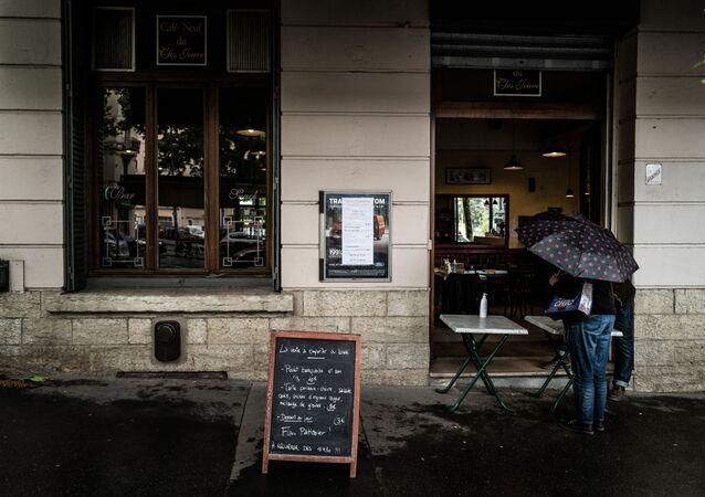 un cafe-restaurant à Lyon, mai 2020
