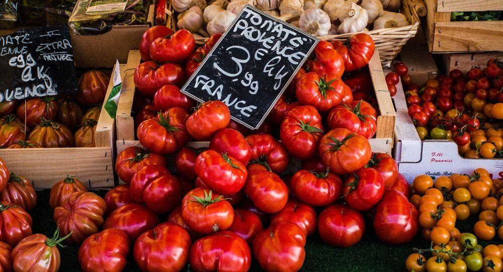 Tomates sur l'étal du marché